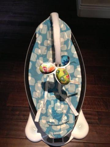 4moms mamaRoo Plush Infant Seat  Swing  Bouncer  Perfect Condition