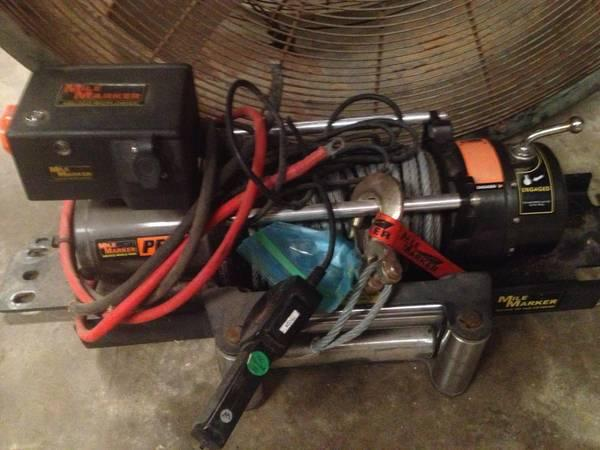 4x4 parts , toyota axles, 16 v suzuki engine, winch, rock crawler, mud - $1