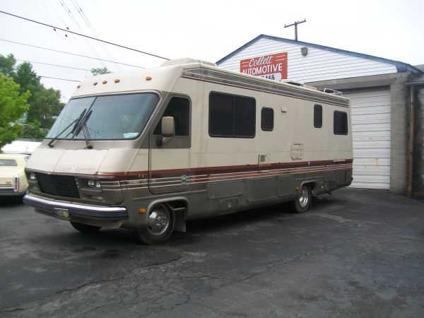 $5,000 1986 Pace Arrow Motor Home For Sale