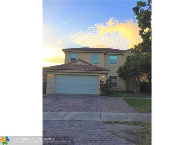 5 Bed 3 Bath House 23712 SW 108TH AVE