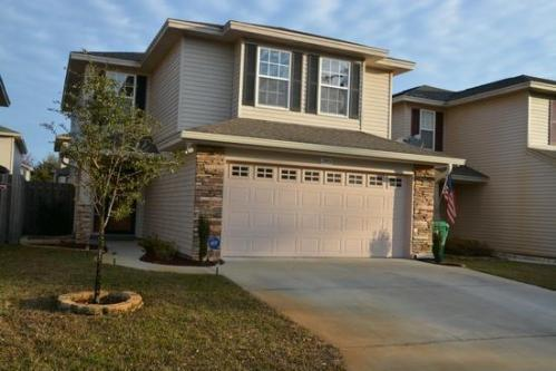 5 bed/3 full bath home close to water access - 5br