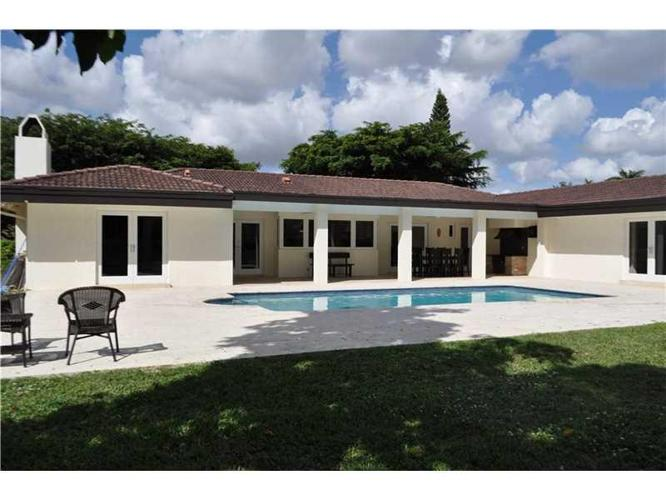 5 bed 4 bath house 7575 sw 77th ct for sale in miami for Bath house florida