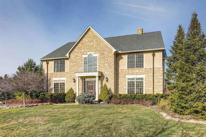 5 Bed 4 Bath House 9299 HIGHBURY CT
