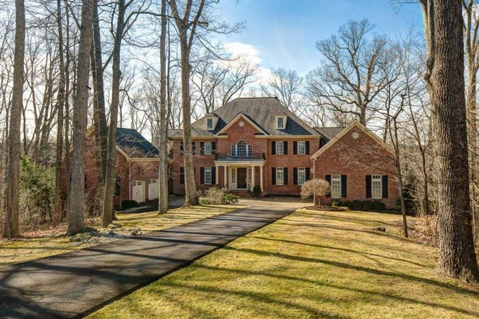 5 Bed 5 Bath House 868 MATTHEWS BROOK LN