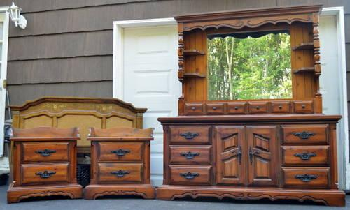 5 Piece Bedroom Set With Queen Full Bed For Sale In East Hanover New Jersey Classified