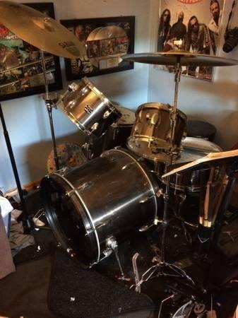 5 Piece Gretch Drum Kit Great Deal Double Bass Pedal and more
