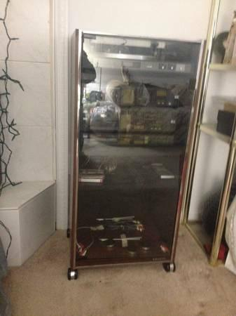 5 Piece Stereo System With Glass Door Cabinet   $150