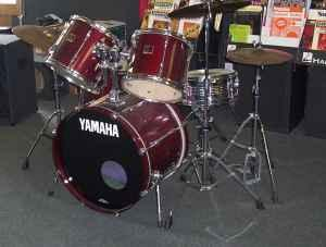 5 piece yamaha stage custom drum kit whitewater for for Yamaha psr e423 for sale