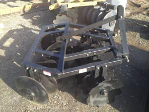5' Tractor 3 point disc brand new - $1250 (Red Bluff)