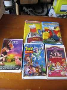 5 VHS MOVIES STUART LITTLE 1 & 2, Toy Story, Babe,