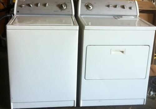 5 Yr Old Whirlpool Washer And Dryer Set Great Condition