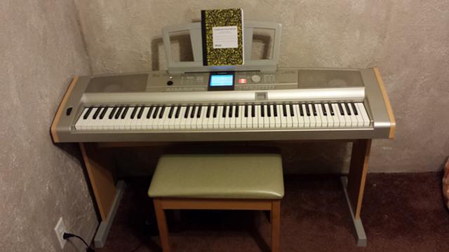 Like new yamaha portable grand digital piano 88 keys for Yamaha keyboard 88 keys weighted