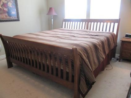 OBO King Size Mission Style Bedroom Set for Sale in Gardner, Kansas ...