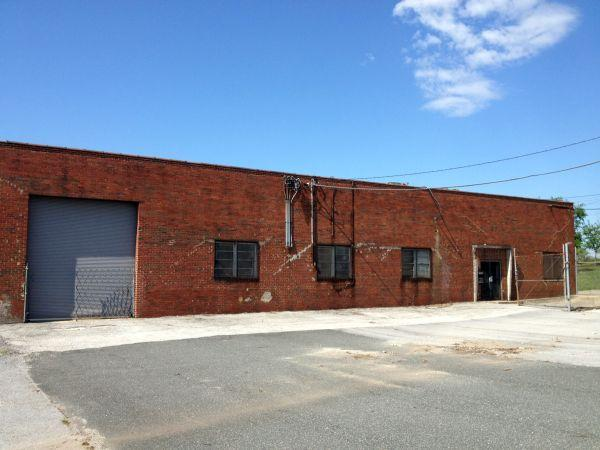 15000ft 15 000 sq ft warehouse on acre lot w for 5000 sq ft to acres