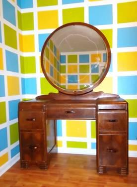 50s Vintage Art Deco Vanity W/ Mirror Dressing Table Deessing Table For  Sale In Rochester, New York · `