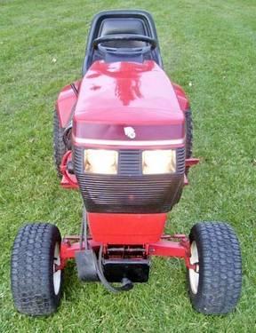 518-H Wheel Horse Tractor