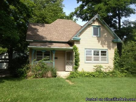 525 two bedroom one and half bath with detached two car for 2 car detached garage for sale