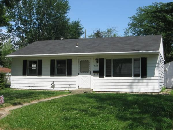 3br all electric house at 5217 holton for rent in fort