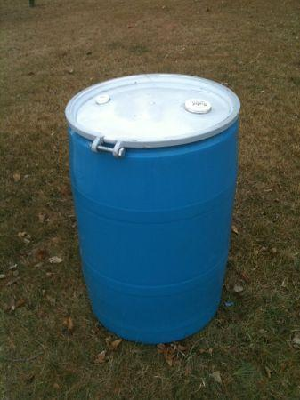 55 gal drums w/ removable lid - $15 (Hackensack)