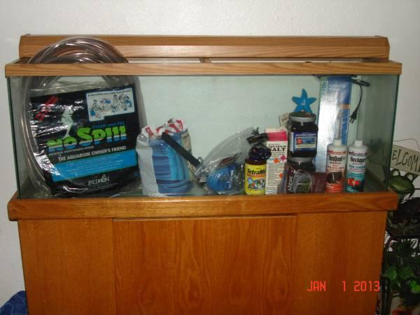 55 gallon fish tank oak stand for sale in rio linda