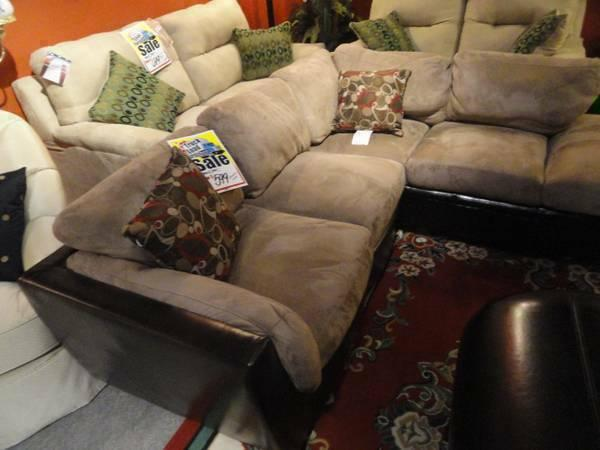 Sofas & Sectionals for Sale in Wichita, KS - Claz.