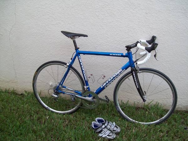 56 cm Cannondale R3000 carbon fiber - $800
