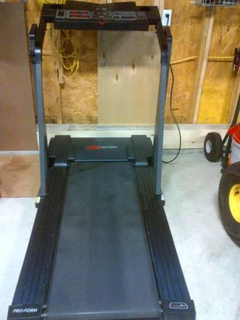 585 Pro Form Performance Treadmill For Sale In Innsbrook