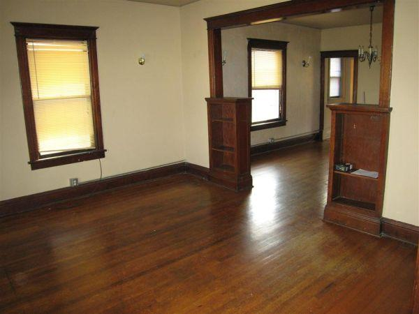 2br 1500ft 124 N 30th Midtown Upstairs Duplex 30th Dodge For Rent In Omaha Nebraska