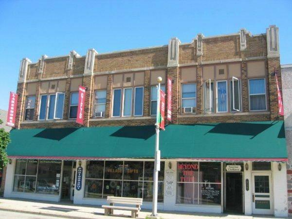 $595 / 600ft² - store front, all utilities included