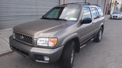 5,999 2001 Nissan Pathfinder SE 4x4 Sunroof 1 Owner 0 Accidents Mint