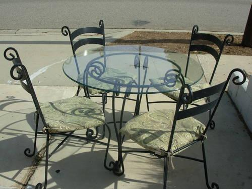 Round Table Corona Ca.5pc Black Wrought Iron Table With Round Glass Table Top