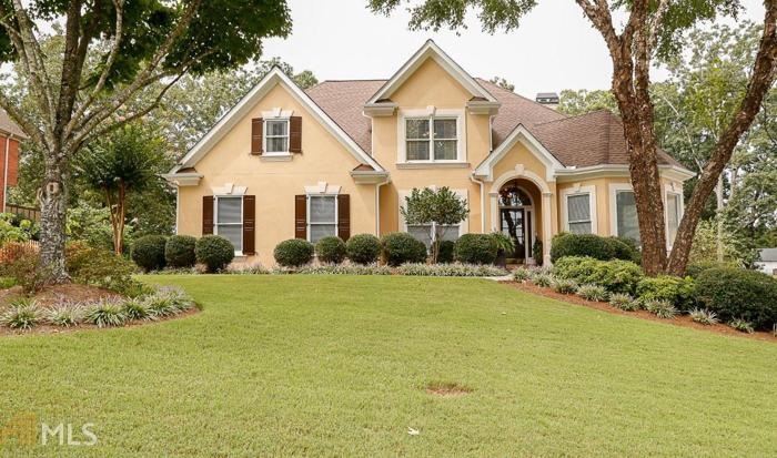 6 Bed 4 Bath House 2410 STONEGATE DR