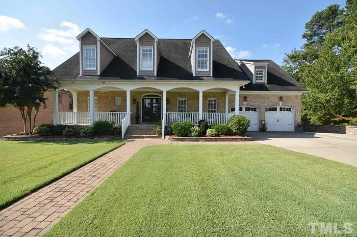 6 Bed 4 Bath House 775 MEADOWOOD DR