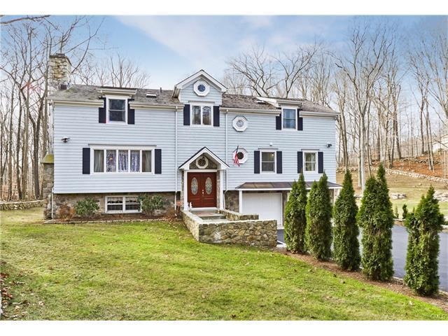 6 Bed 5 Bath House 7 BROOKWOOD LN