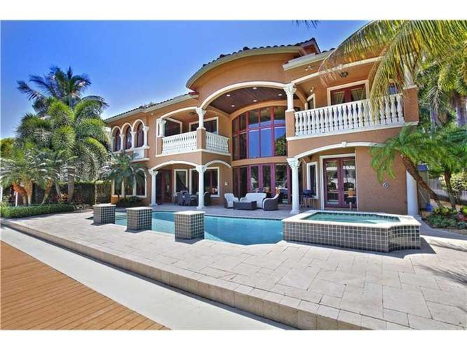 6 Bed 6 Bath House 42 FIESTA WAY