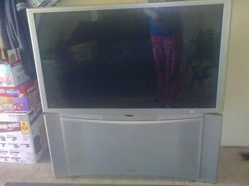 60 inch hitachi projection screen tv