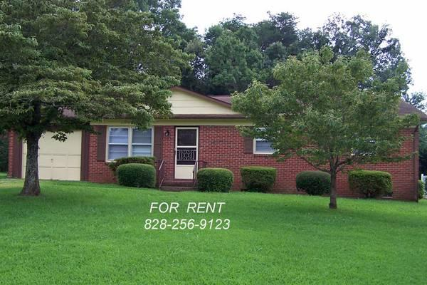 3br 1100ft springs road area 3 bedroom brick house for rent in hickory north carolina