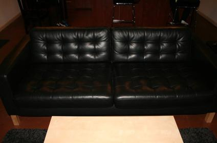 $600 Ikea KARLSTAD Black Leather Sofa/Couch