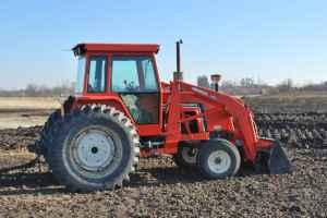 6080 AC Tractor and Loader - $13500 (Pella)