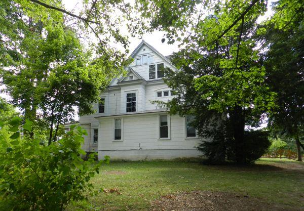 2br 1000ft large 2 bedroom apt james street near - 2 bedroom apartments for rent in syracuse ny ...