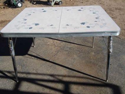 $65 Vintage Retro Formica Kitchen Table