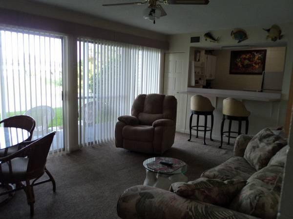 $650 / 1br - Destin Florida-Gulf Terrace