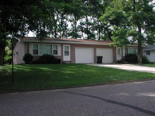 2br 880ft 178 Side By Side Duplex On The South Side Of