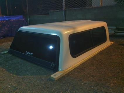 $650 OBO Leer Camper Shell For 1995 - 2004 Toyota