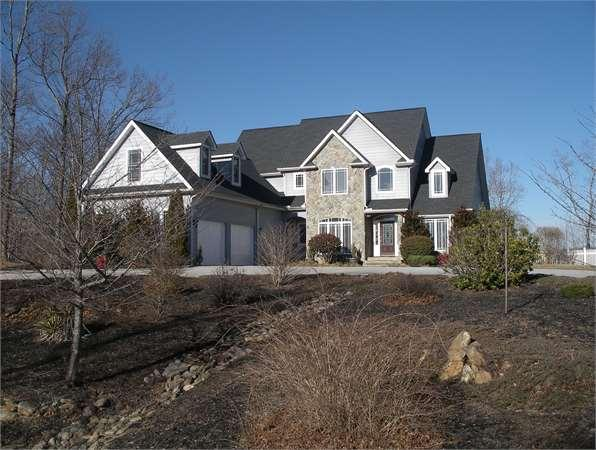 680 Highland View Lane Single-Family Home
