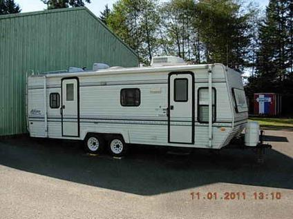 1986 Aljo Travel Trailer 25 http://brookings-or.americanlisted.com/trailers-mobile-homes/69501997-deluxe-aljo-25-travel-trailer-great-floor-plan_22107127.html