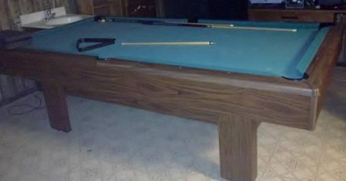 7 1/2 foot pool table - Sears Robuck and co.