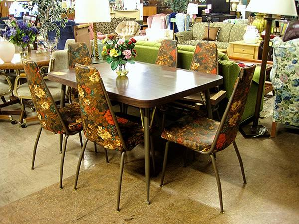 70s RETRO STYLE EXPANDABLE DINING SET 6 CHAIRS|EUGENE