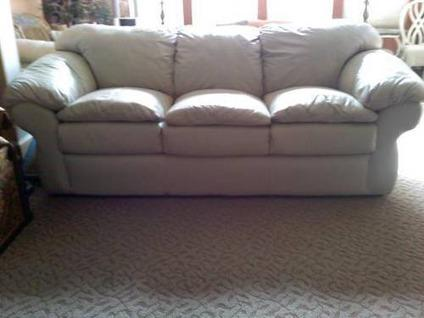 Sealy Leather Couch Amp Chair With Ottoman Very Good