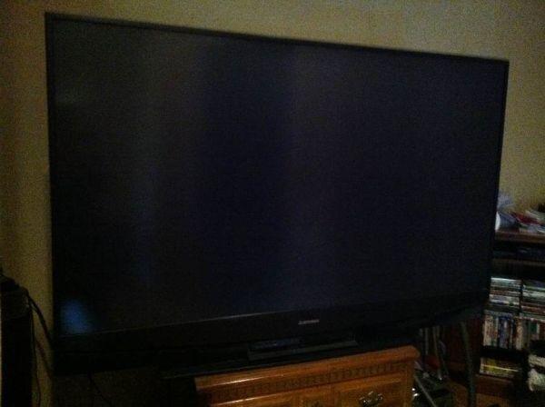 73 inch Mitsubishi flat screen tv - (Waco, Texas ) for Sale in Waco